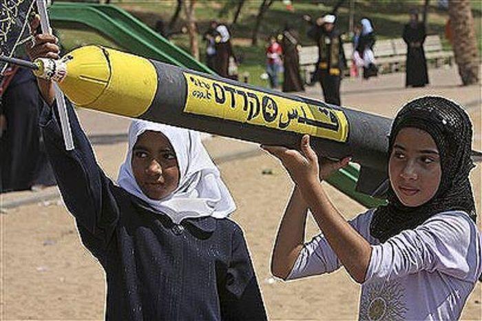 Young Palestinian Girls Carrying Rockets, Gaza, Hamas (Photo credit: IDF Blog)