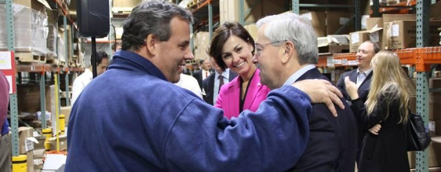 Gov. Christie campaigns with Iowa's Governor Branstad days before Election 2014.