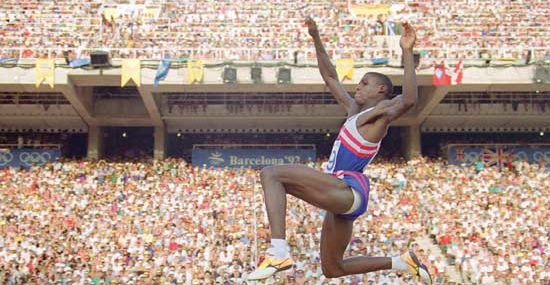 Carl Lewis Holds Press Conference for Nothing