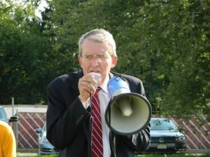 Jeff Bell megaphone
