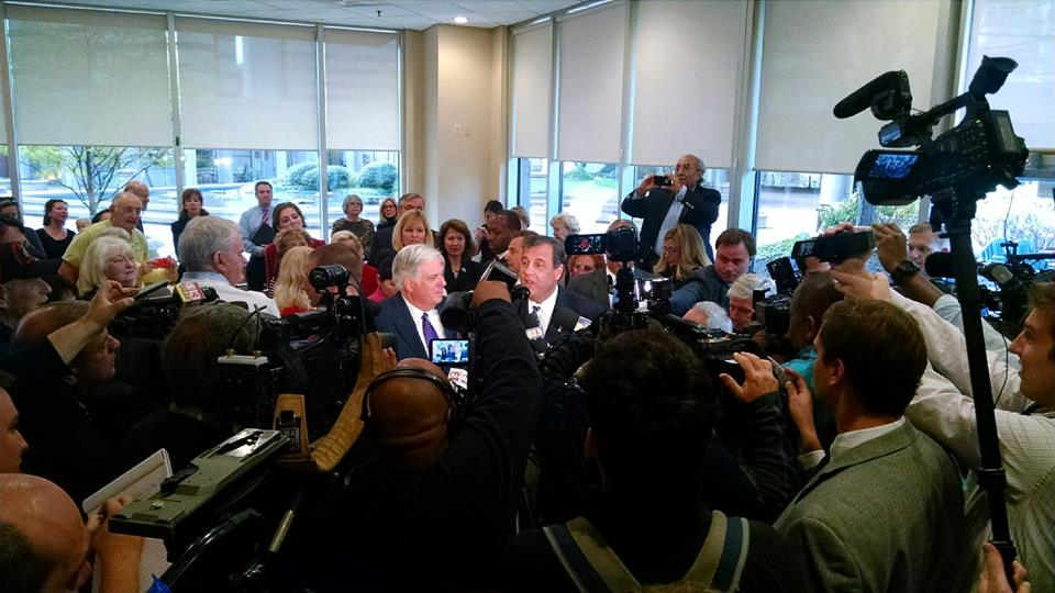 Christie supports Hogan, sends State Police to Maryland