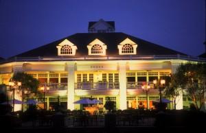 Eagle Oaks Golf & Country Club at night (via Facebook)