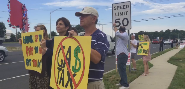 State Senator Jen Beck (R-Monmouth) rallies LD11 residents against the gas tax hike.