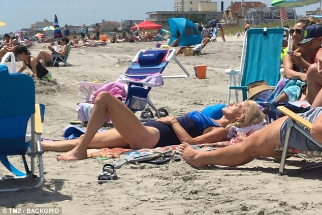 Kellyanne does the Jersey Shore while Trump's in Bedminster