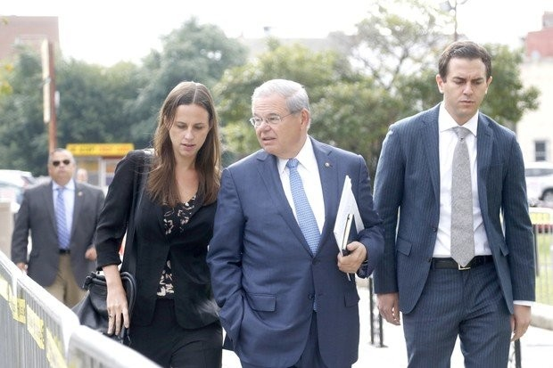 Judge rejects Menendez request to toss bribery charges