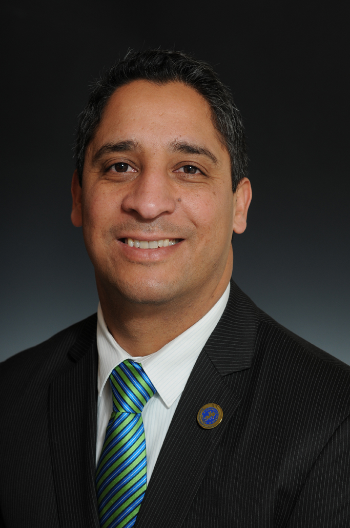 #NJSEN: Former Essex Freeholder Bobadilla, a Latino Democrat, backs Bob Hugin