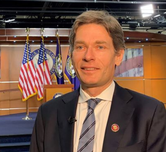 """Malinowski insists secret impeachment info makes it """"harder to defend the president's conduct"""""""